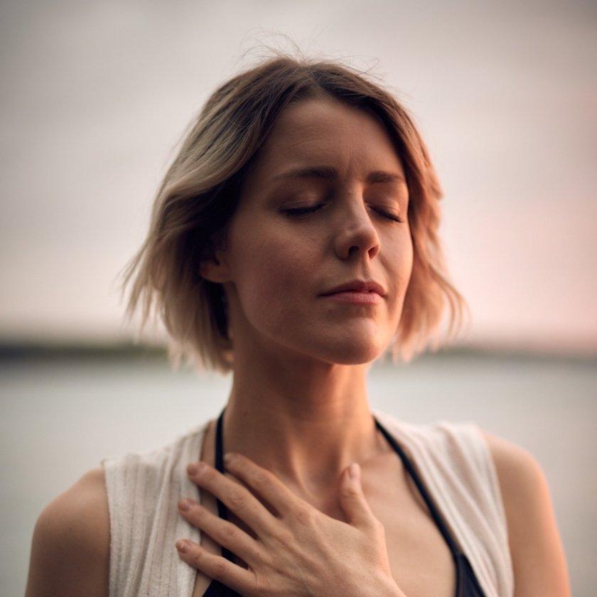 svårt att andas djupt tryck över bröstet